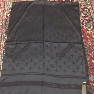 Authentic Louis Vuitton blk unisex SUPREME scarfXL